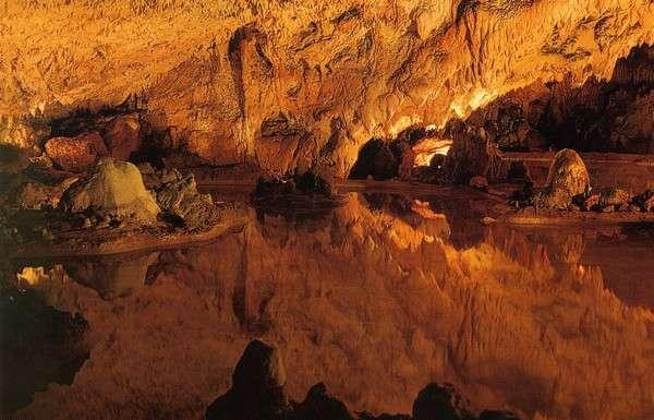 Доисторическая пещера Рокамадура - Rocamadour (Рокамадур), Миди-Пиренеи, Франция - путеводитель по Рокамадуру: что посмотреть в Рокамадуре, достопримечательности. Как добраться в Рокамадур