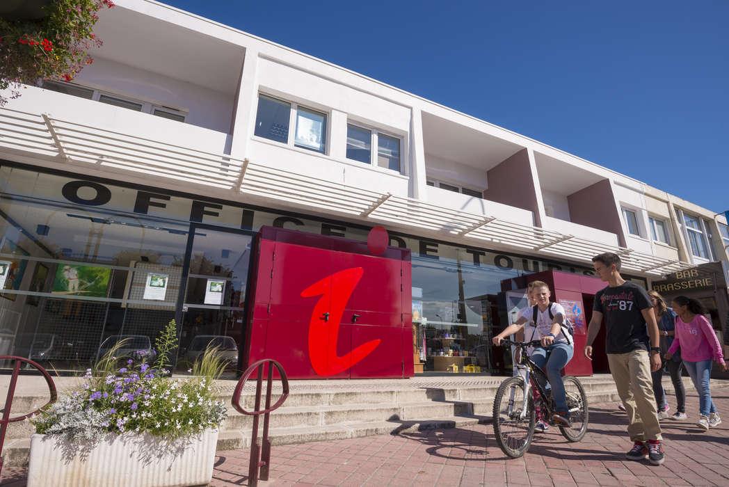 Office De Tourisme Intercommunal Calais C 244 Te D Opale Company Shops And Services Tourist