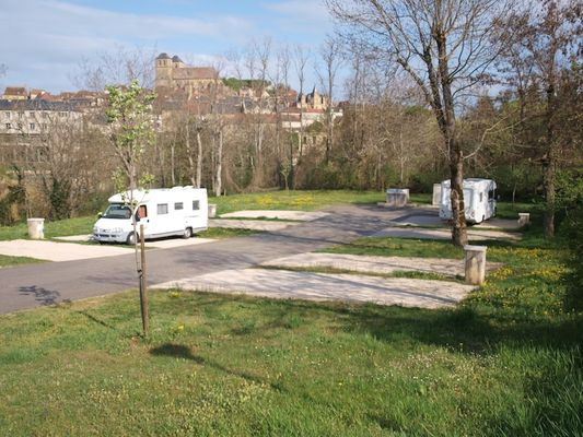 AIre Camping-Car Gourdon