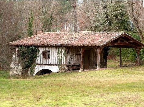 Moulin-de-lestrat-Lencouacq.jpg