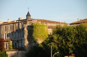 Porte-du-Gisquet-a-Bazas.jpg