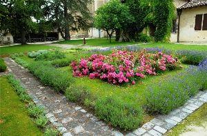 Jardin-du-Chapitre-a-Bazas.jpg