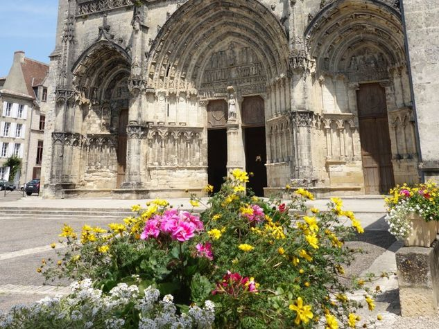 Bazas---Cathedrale2--ph.-Elodie-F-.jpg