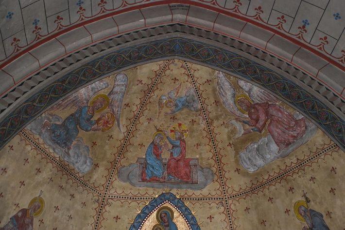 Garein---Eglise---int--Peintures-murales-choeur-web.jpg