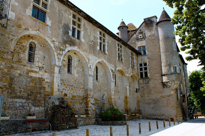 Doyens château.jpg