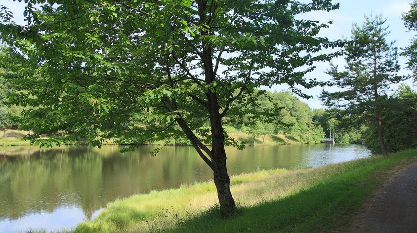 Lac de vergnes.Comiac.le lac 2.jpg