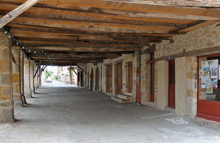Place-des-consuls-4.jpg