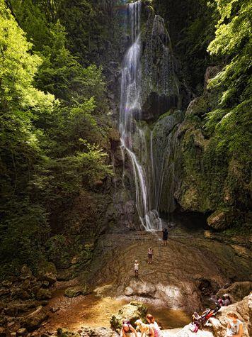 Cascade d'Autoire® CRT D. Viet BD.jpg