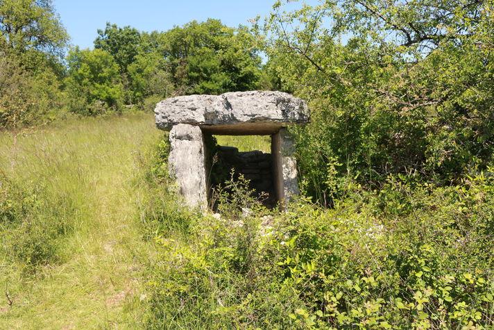 Solide dolmen.JPG