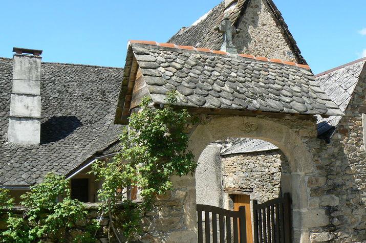 A Cahus, magnifique toit de lauzes..JPG