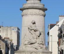 Siehe seite von Denkmal zu Ehren der Krankenpflegerinnen von Reims