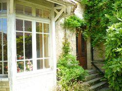 See more information about La Grange aux Couleurs - Chambres d'hôtes et Boutique décoration