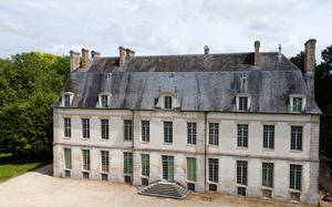 chateau de Dampierre.jpg