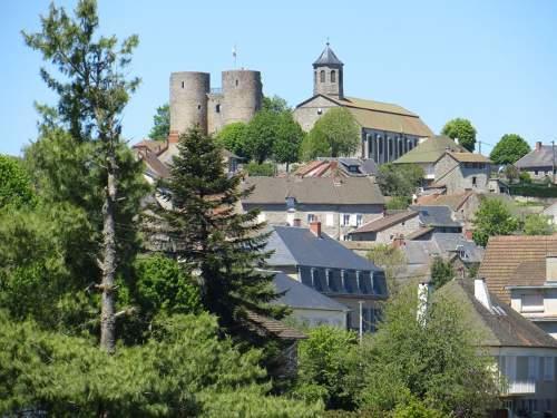 Crocq-Vuedubourg-CreuseTourisme.jpg