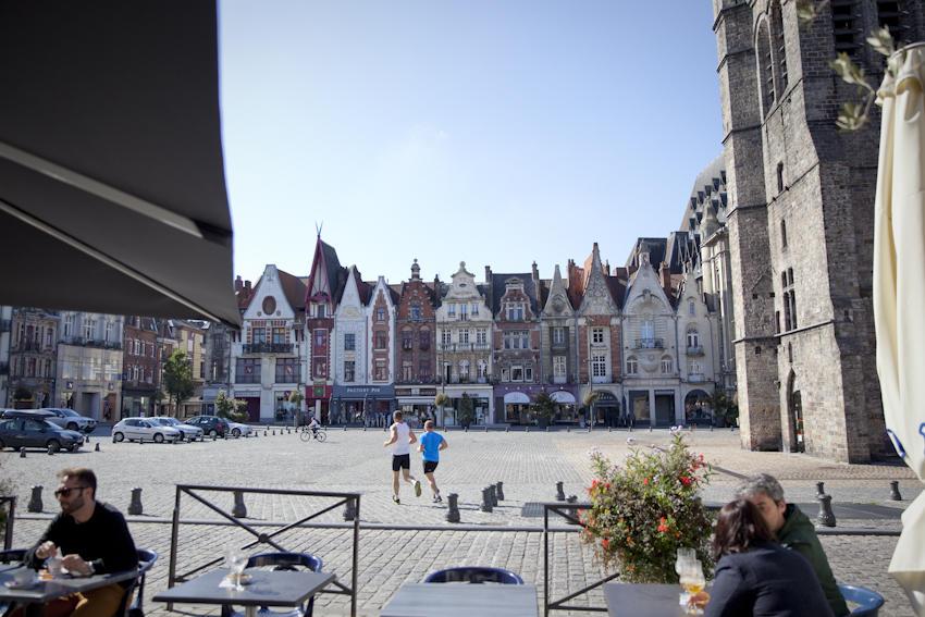 Les places - Copyright  Brigitte Baudesson  Béthune-Bruay Tourisme.jpg