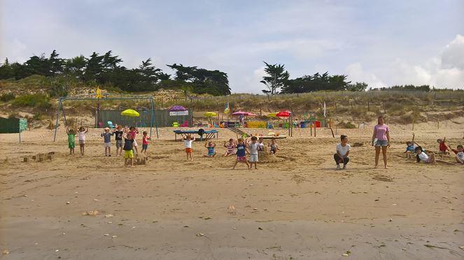 club-de-plage-les-dauphins-photo-ete-2016-lacouarde-iledere.jpg