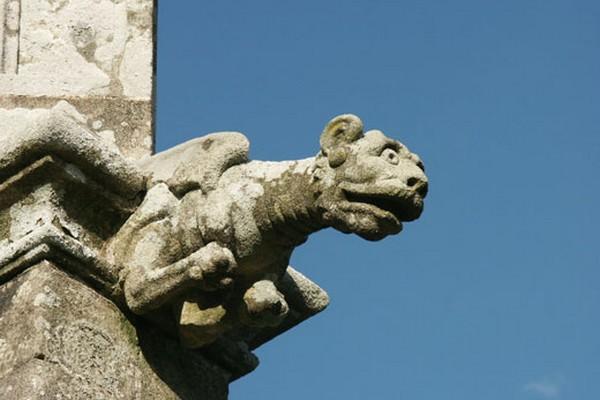 Chapelle Saint-Yves-Priziac.jpg