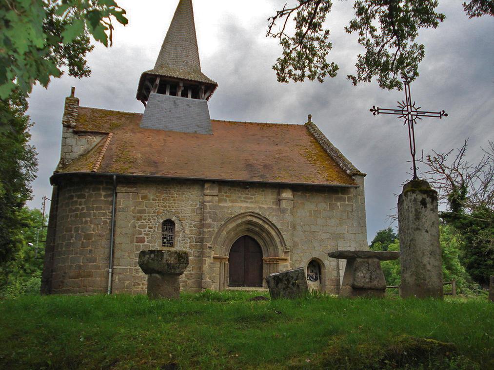 Saint-Medard-la-Rochette-Eglise-de-La-Rochette-Commune.jpg