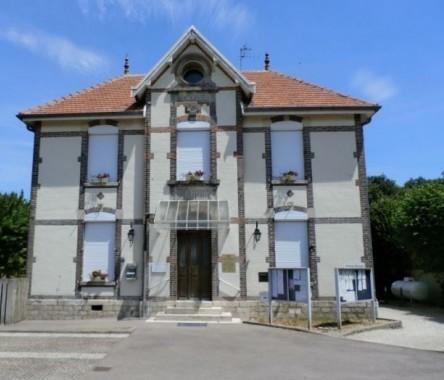 Mairie Saint-Pouange.JPG