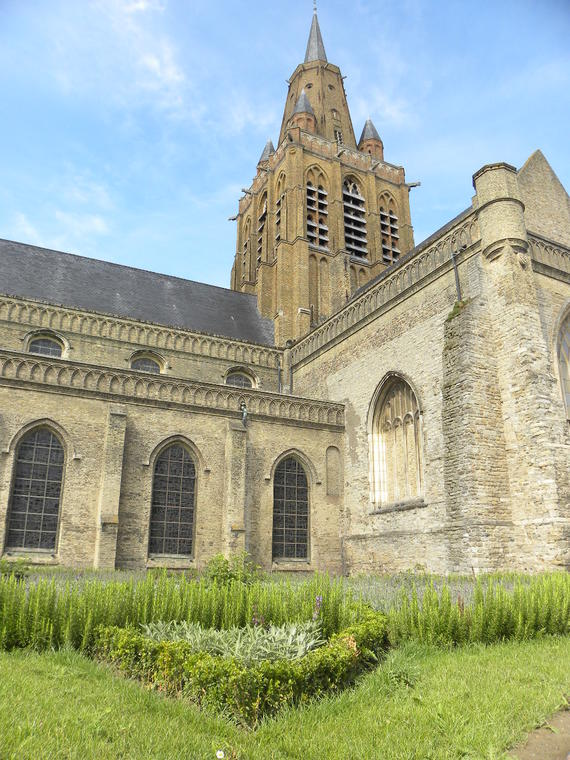 Notre-Dame-Church-in-Calais-Photo-Office-de-Tourisme-Calais-Cote-d-Opale.JPG