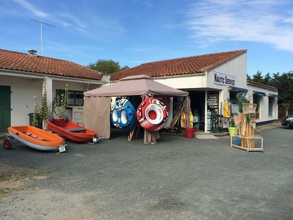 Photo magasin Nautic service.jpg