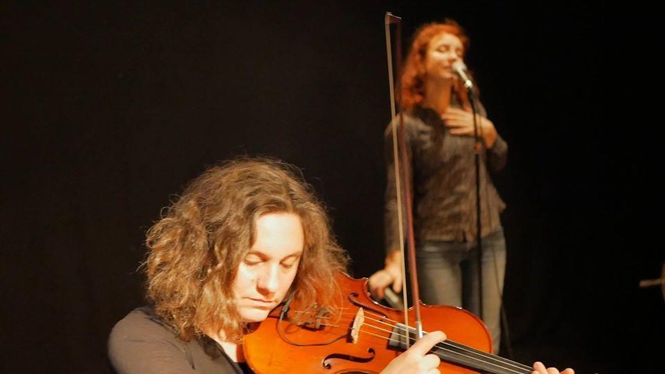 Concert_Donjon_La_Roche_Posay_Goupile_et_Coyotte.jpg