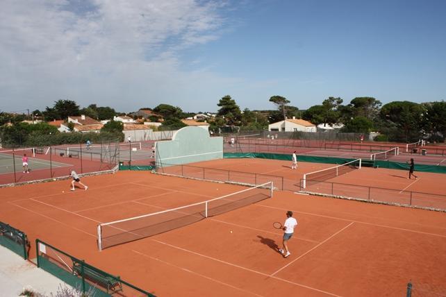 tennis-du-perthuis-lacouarde.JPG