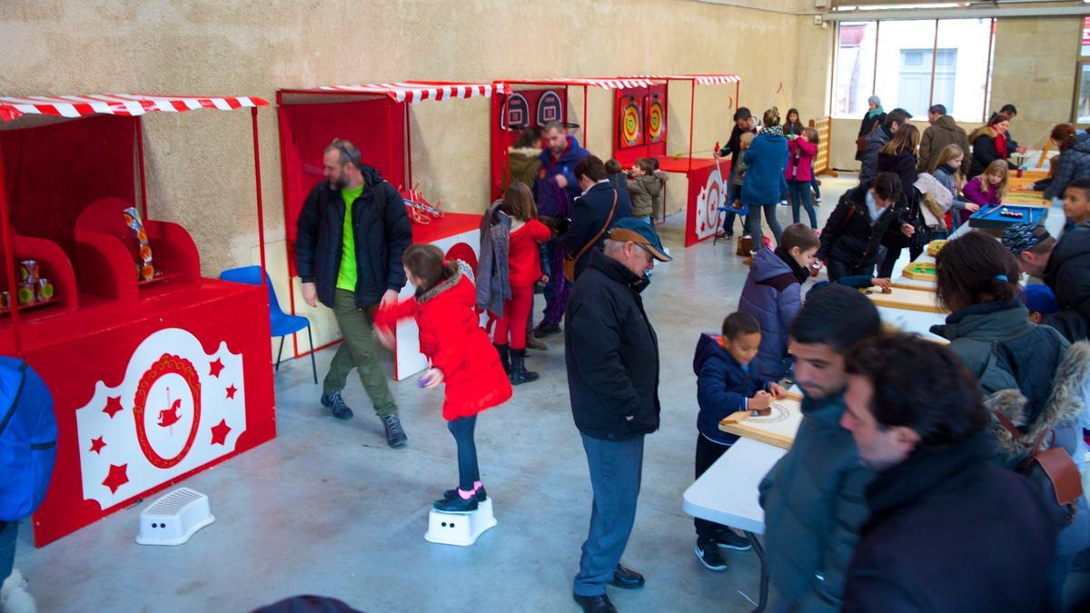 jeux_bois_generique_magie_noel_CREDITS_Julien_Roche_Ville_de_Carcassonne.jpg