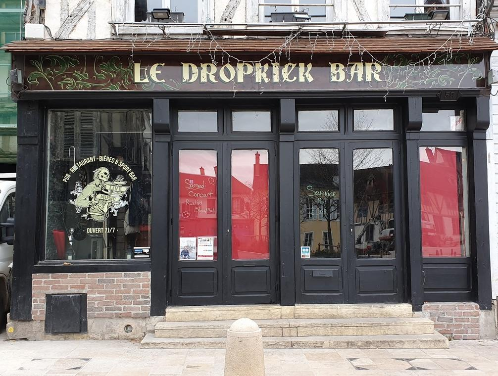 Dropkick Bar Troyes.jpg