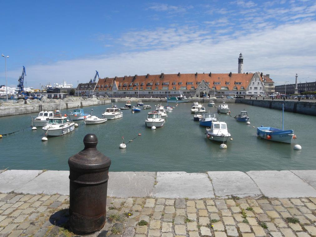 Quartier_Courgain_Maritime_Calais_Photo_Office_de_Tourisme_Calais_Cote_d_Opale (1).jpg