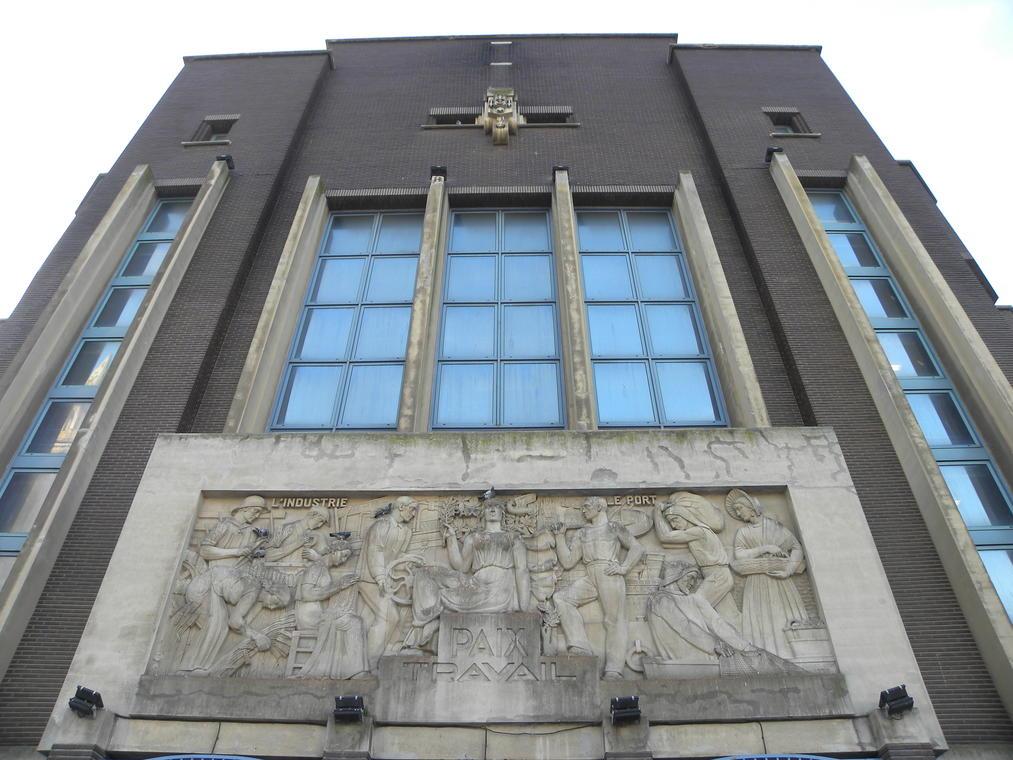 Extérieur Bourse du Travail Calais place Crèvecoeur (3).jpg