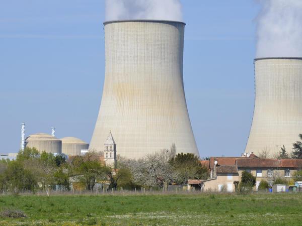 Centrale_nucleaire_Civaux.JPG