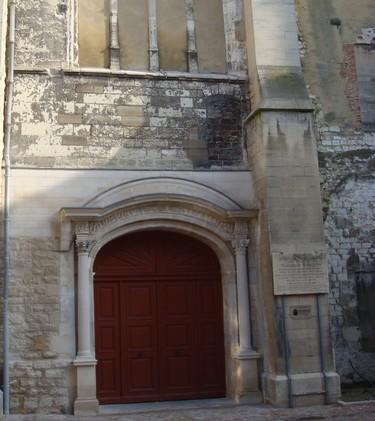 Portail occidental de l'Eglise St Jean sit.JPG