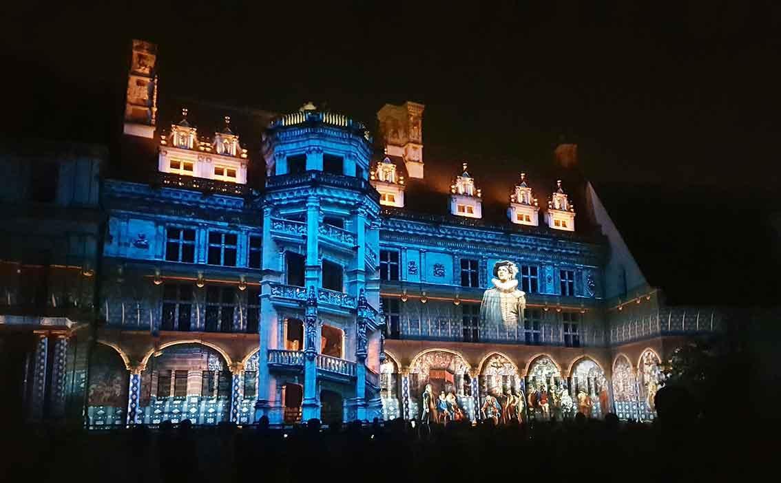 web_Chateau-royal-de-Blois-I-Son-et-Lumiere-(c)-F.jpg