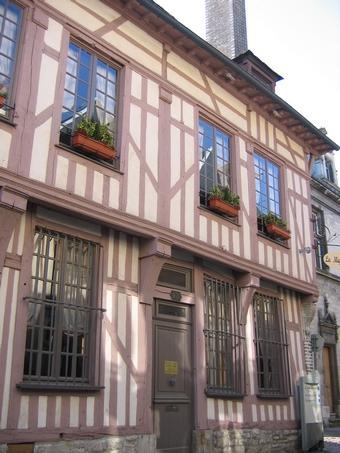 façade.jpg