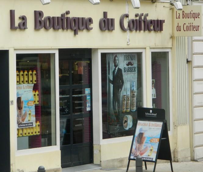 La Boutique du coiffeur.jpg