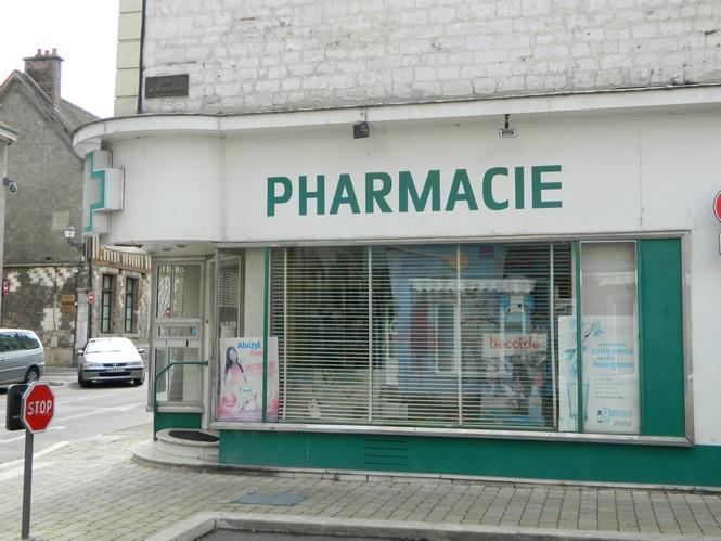 Pharmacie rue de la madeleine.JPG