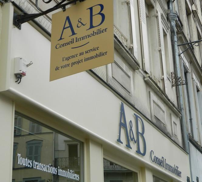 A&B immobilier.jpg