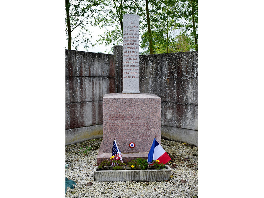 Monument Hoskier Dressy