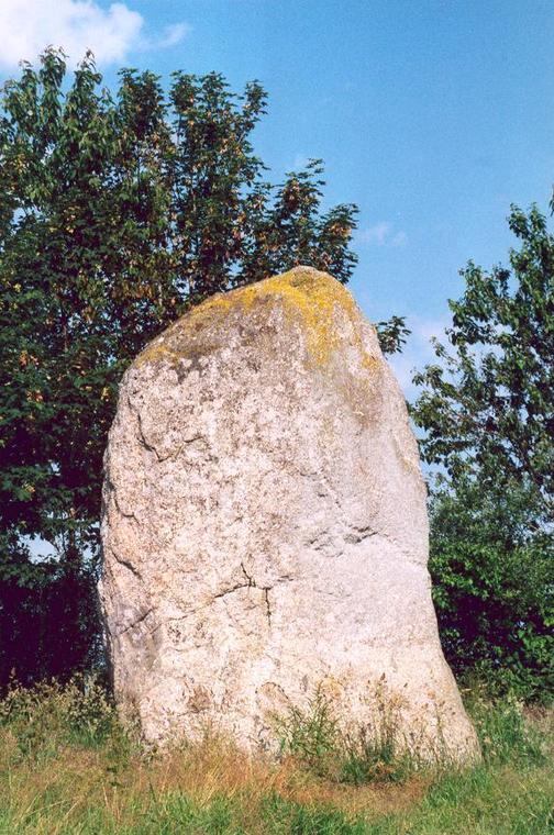 Menhir du Dreny - Plémy - Moncontour