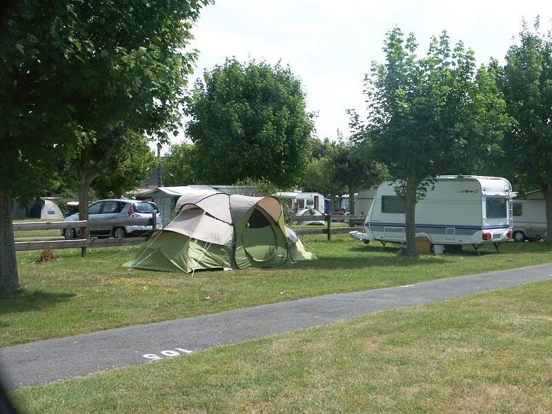 Camping municipal - tentes - Saint-Suliac