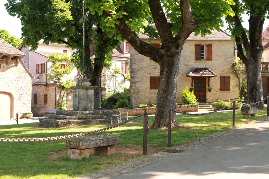 La place du village (2)©M.Légeron