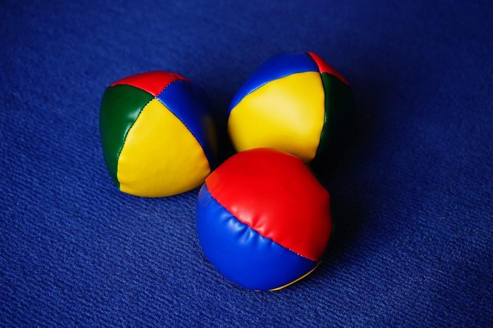 balls-272409_1280©Hans