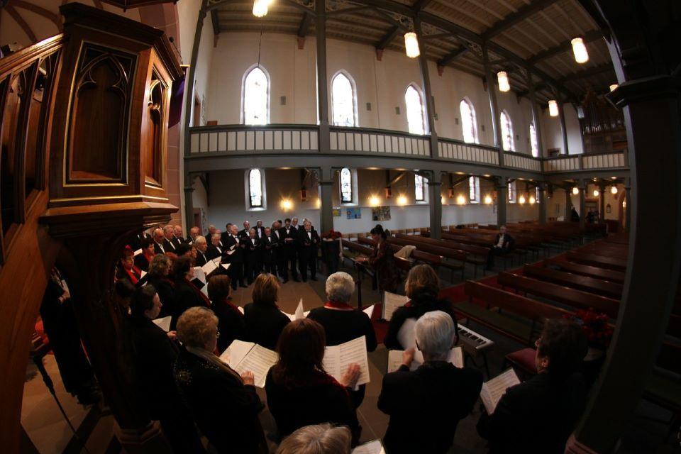 church-choir-408408_1280©delfinmedia