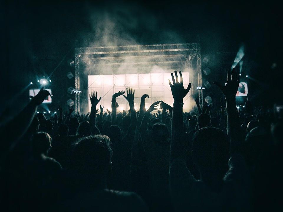 crowd-1056764-1280