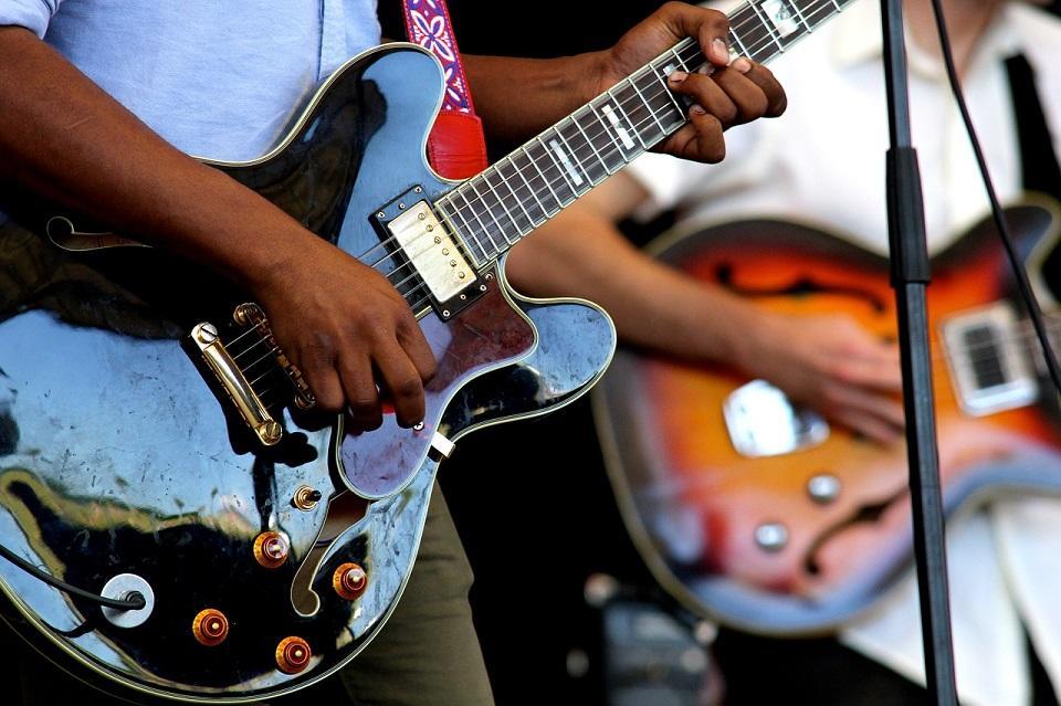 guitars-2033566-1280-pixabay