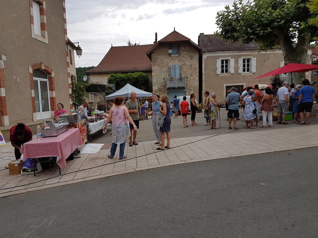 marché de producteurs Saint-Pierre-Toirac