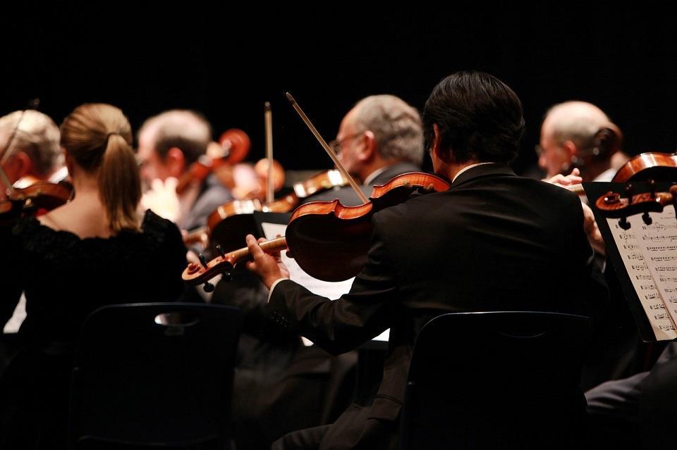 orchestra-2098877_1280©YannaZazu