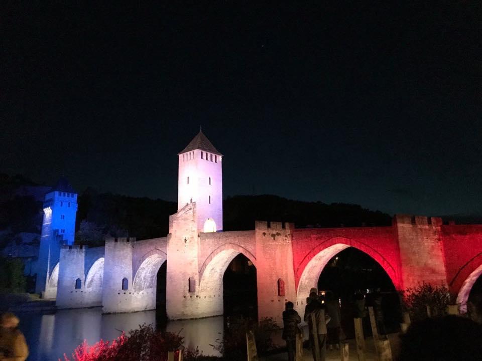 pont valentré photo bleu blanc rouge