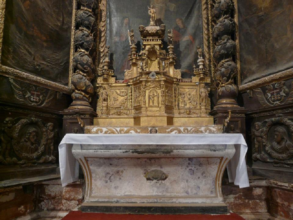 retable du maître-autel L'autel et le tabernacle©Bru Nicolas